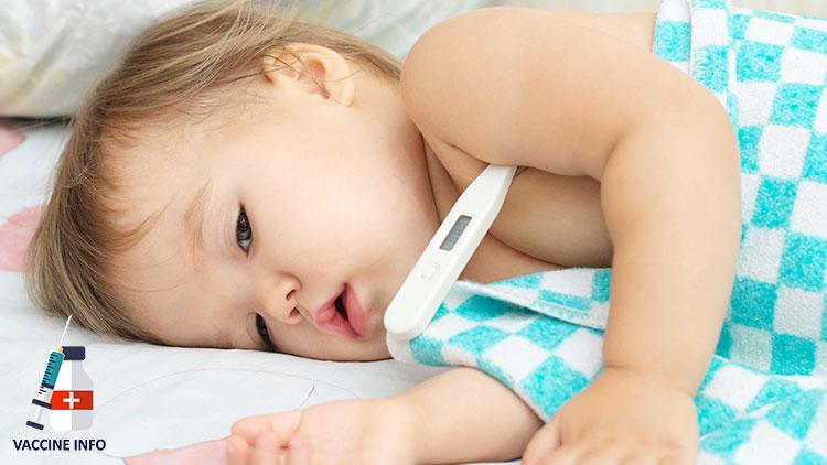 Tiêm mũi 6 trong 1 có bị sốt không?